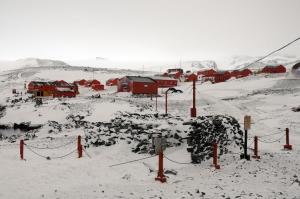 Basi ARG Esperanza Base & Nordenskjold Expedition Hut