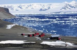 Basi CZE Johanna Gregora Mendela Polar Station