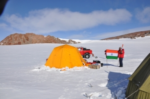 Basi_IND_Indian Camping on the way to South Pole