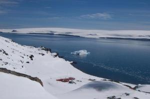 Juan_Carlos_I-Hurd_Peninsula,_Livingston_Island,_Antarctica