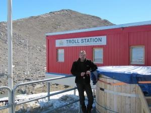 R1ANR_ATroll Station